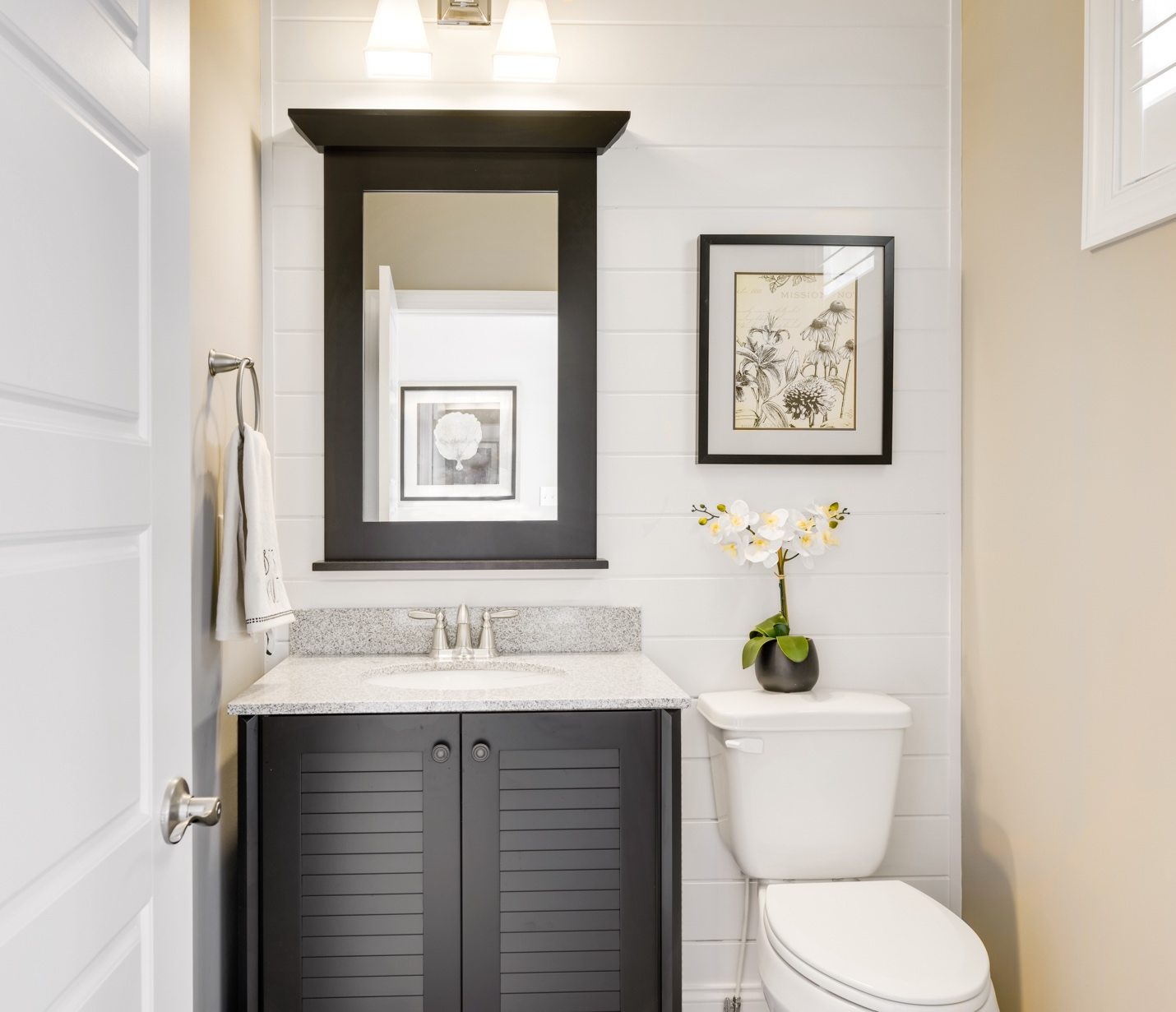 A picture containing wall, indoor, bathroom Description automatically generated
