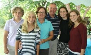Family portrait MiMis tent.jpg